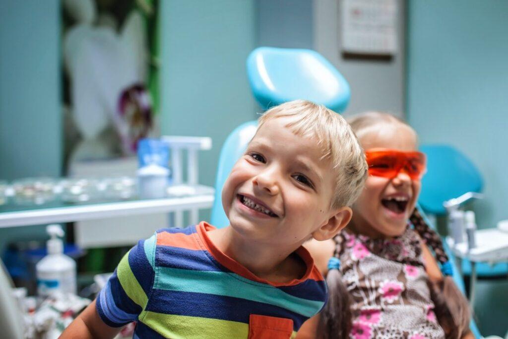 copii la medicul dentist